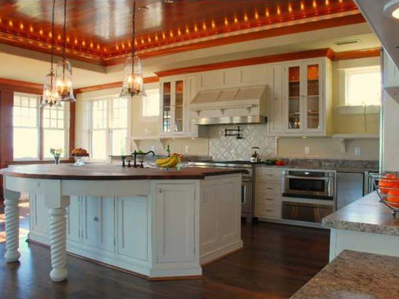 Cocina estilo americana y mobiliario de excelente gusto.